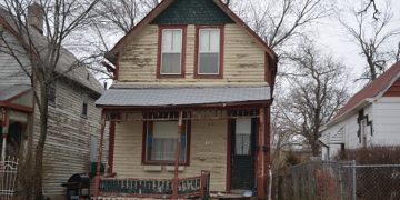 "This home was added to the 2016 Des Moines Rehabbers Club ""Most Endangered Buildings"" list."